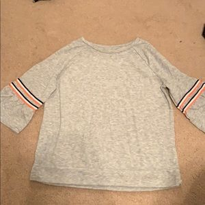 Mid arm gray shirt for girls